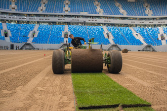 Укладка нового газона на стадионе «Санкт-Петербург»