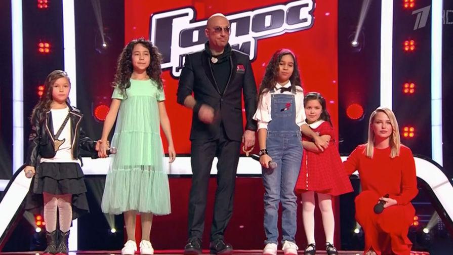 Картинки по запросу В сети назвали позором победу дочери Алсу в «Голосе»
