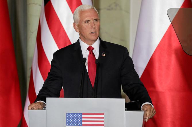 Вице-президент США Майк Пенс во время пресс-конференции в Варшаве, 2 сентября 2019 года