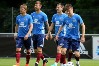 Футболисты сборной России на тренировке перед игрой с Чехией