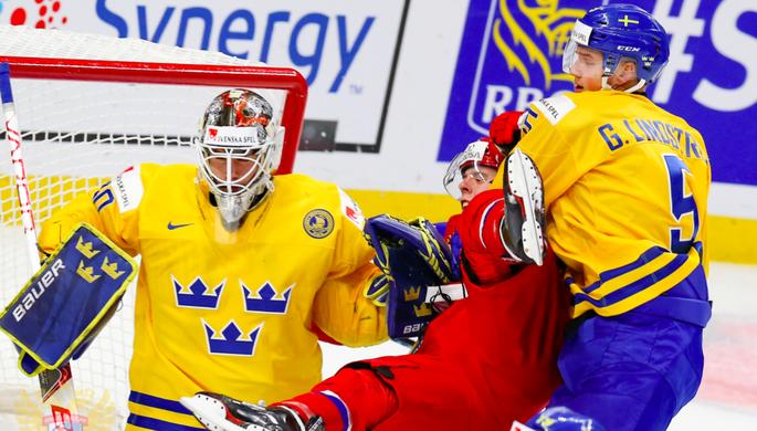 Эпизод матча Россия — Швеция на молодежном чемпионате мира