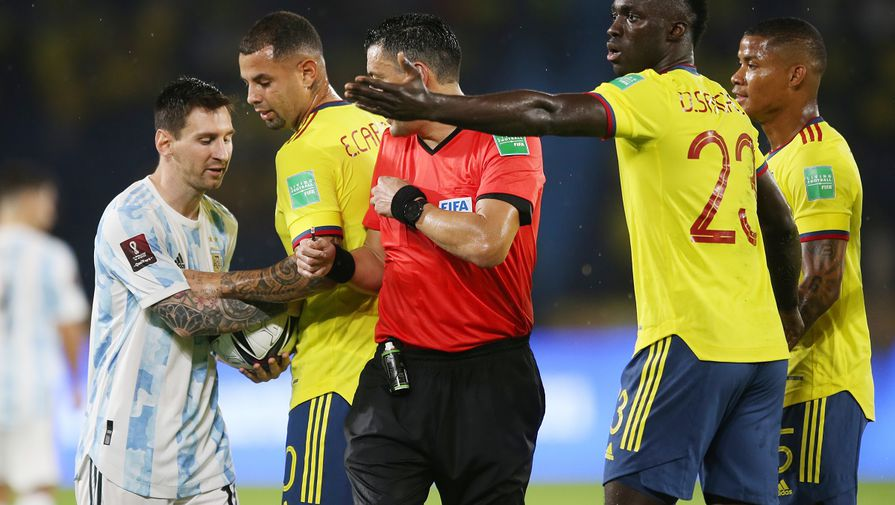Момент матча Колумбия — Аргентина