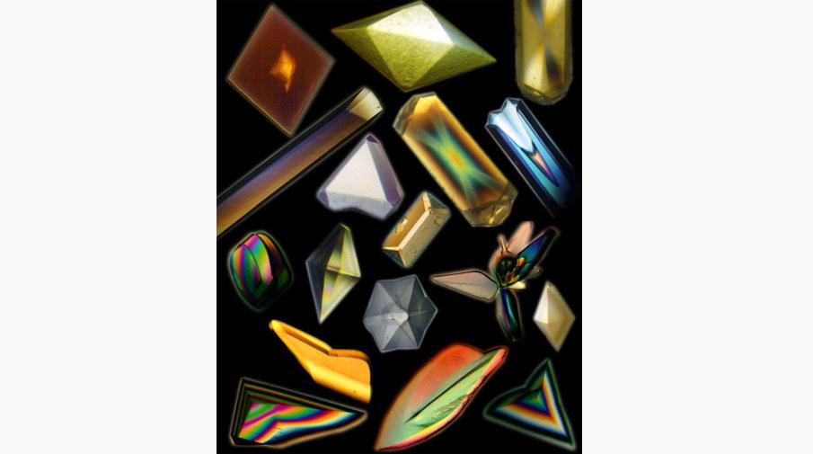 Кристаллы различных белков, выращенные на космической станции «Мир» и во время полетов шаттлов NASA