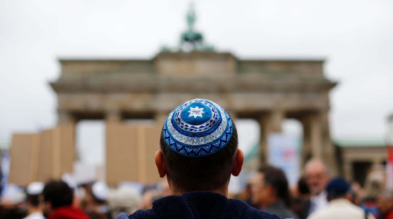 Меркель ответила на вопрос о новой волне антисемитизма в Германии в эфире CNN