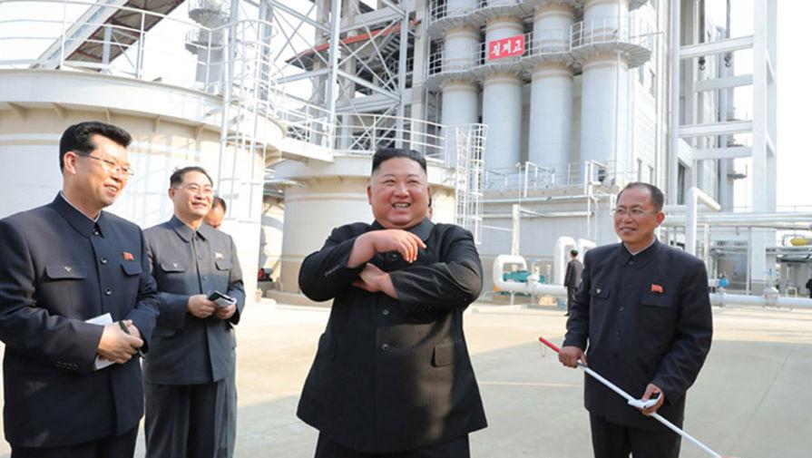 Ким Чен Ын впервые после слухов о своей смерти появился на публике - Газета.Ru