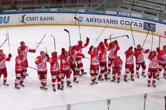 Молодые спартаковцы продолжают борьбу за Кубок Харламова