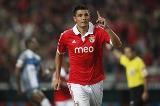 Оскар Кардосо сделал дубль в матче с «Виторией»