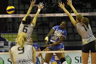 «Омичка», как и динамовки из Казани и Москвы, выиграли свой четвертый матч в женской Лиге чемпионов