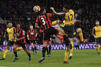 Нападающий «Арсенала» Оливье Жиру принес ничью в матче с «Борнмутом» в компенсированное арбитром время.