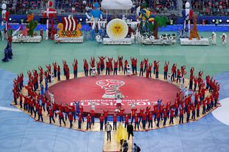 Церемония закрытия Кубка конфедераций – 2017 в России завершилась выносом огромного полотна с названием турнира в центр стадиона «Санкт-Петербург»