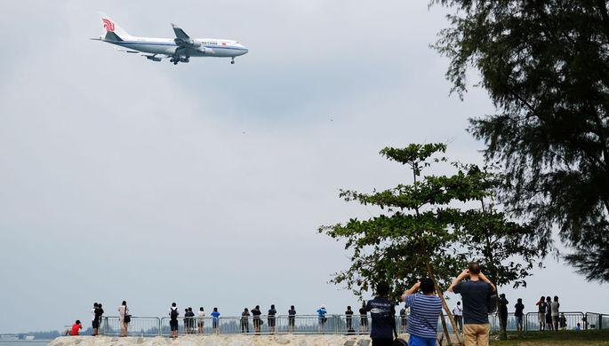 Самолет китайских авиалиний, на борту которого, предположительно, находился лидер КНДР Ким Чен Ын