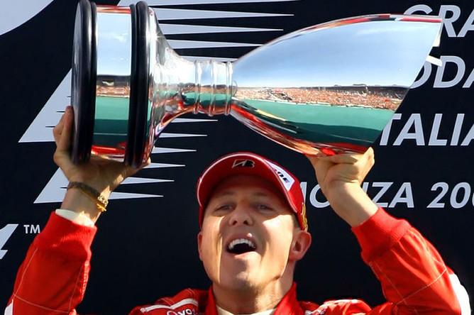 Михаэль Шумахер радуется победе в Гран-при Италии, 10 сентября 2006 года