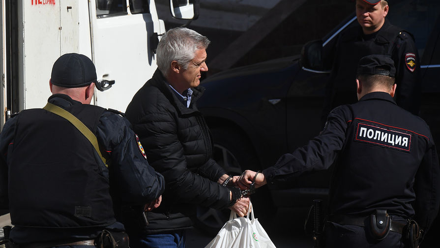 Суд перевел Майкла Калви из СИЗО под домашний арест