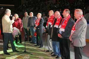 Ржига поздравляет Старшинова и ветеранов