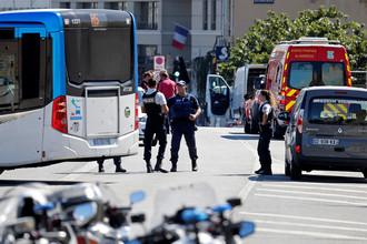Полицейское оцепление места происшествия в Марселе, Франция. Август 2017