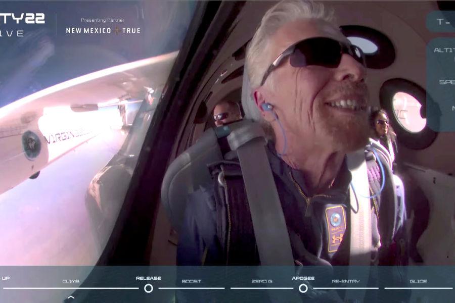 Акции Virgin Galactic рухнули после полета Брэнсона в космос