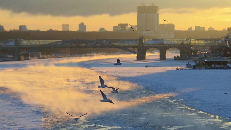 В Москве в пятницу днем ожидается до -14С