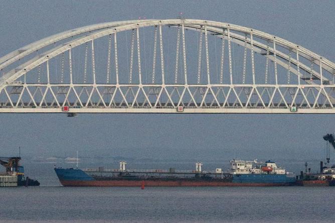 Танкер Neyma в Керченском проливе, архивный кадр