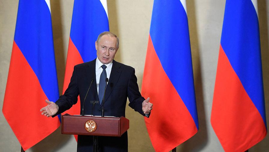Президент России Владимир Путин во время визита в Севастополь, 18 марта 2020 года