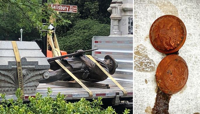Демонтаж статуи солдатам Конфедерации в Роли, штат Северная Каролина, июнь 2020 года