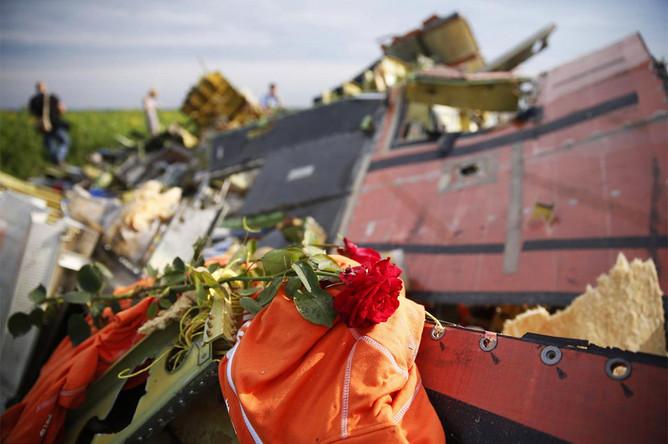 На месте крушения Boeing 777 на Украине