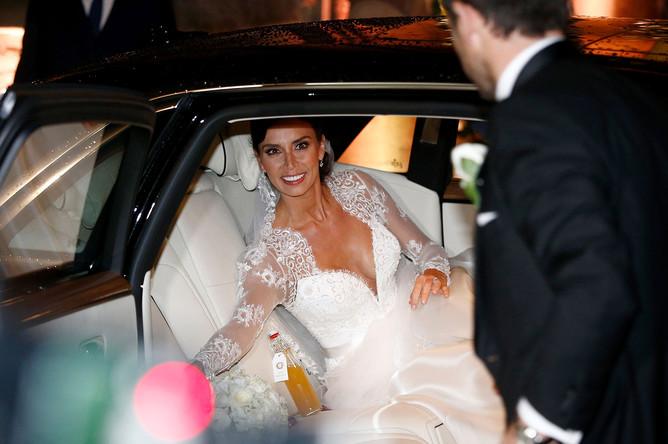 Кристин Бликли прибывает на свадебную церемонию