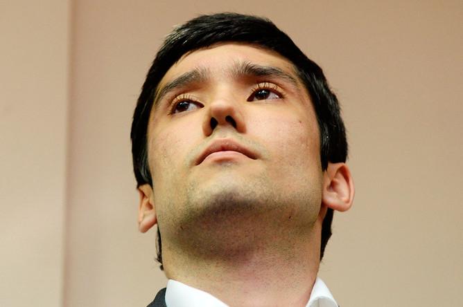 Сын вице-президента «ЛУКойла» Руслан Шамсуаров, обвиняемый в неповиновении распоряжению сотрудников полиции, в здании Гагаринского суда Москвы