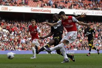 «Арсенал» победил «Болтон» благодаря дублю Робина ван Перси