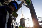 По данным Росстата, уровень нефтедобычи в России с декабря по январь не сократился
