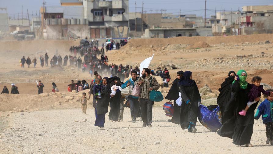 Минобороны: США блокируют выход беженцев из сирийского лагеря Эр-Рукбан