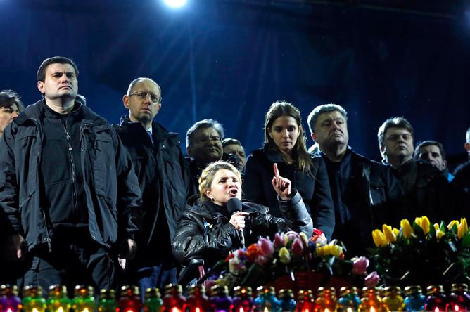 Юлия Тимошенко выступает с речью на «евромайдане»