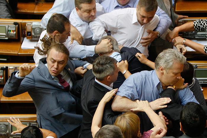 Драка во время заседания Верховной рады Украины