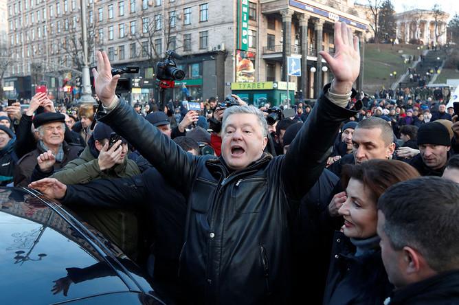 Экс-президент Украины, лидер партии «Европейская солидарность» Петр Порошенко на митинге
