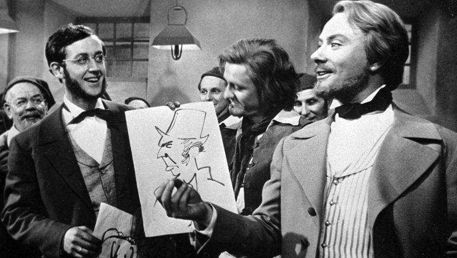 Перед тем, как Миронов исполнил свои главные роли, начинающей звезде дали ответственное задание сыграть Фридриха Энгельса в историко-революционном фильме «Год как жизнь», съемки которого проходили в ГДР в 1965 году