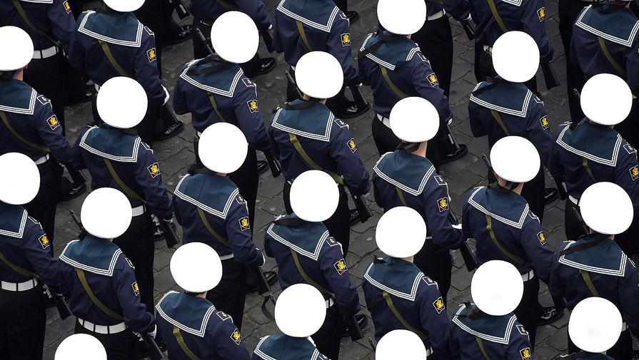 Военнослужащие парадных расчетов на военном параде в честь 76-й годовщины Победы в Великой Отечественной войне в Москве, 9 мая 2021 года