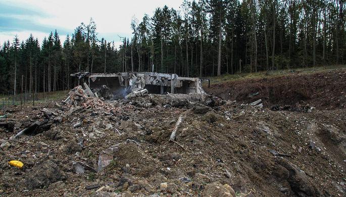 На месте взрыва склада боеприпасов недалеко от Врбетице, Чехия, 2014 год