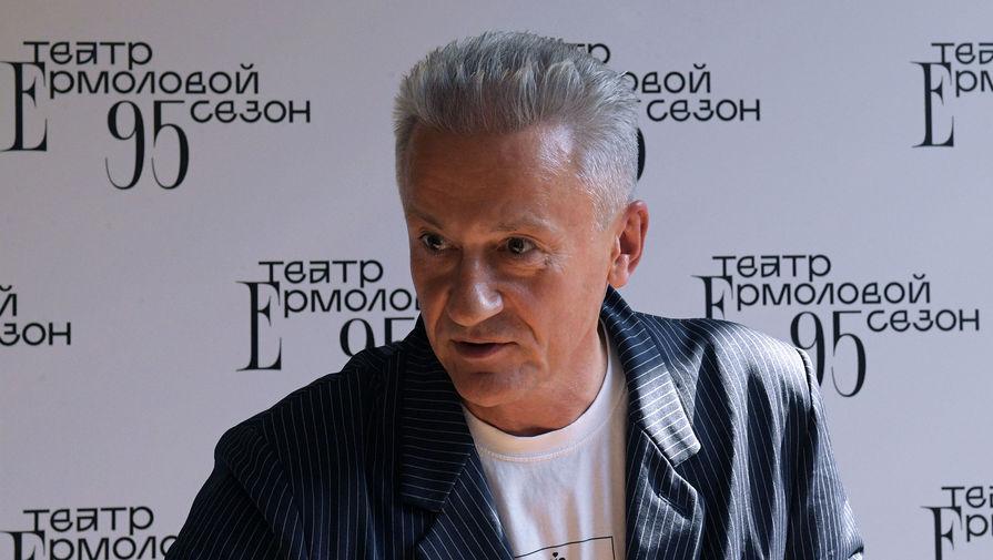 Актеры Театра имени Ермоловой пожаловались на Меньшикова из-за сокращения штата