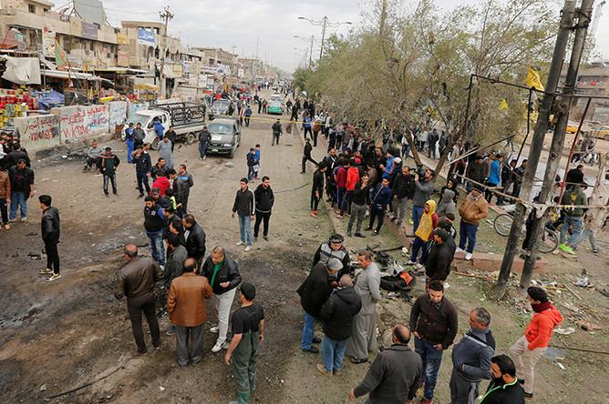 Место теракта в Мадинат-эс-Садр, пригороде Багдада, 2 января 2017 года