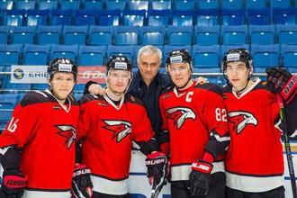 Жозе Моуринью с игроками «Авангарда»