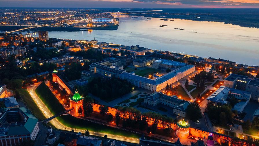 Нижегородский кремль и вид на Стрелку