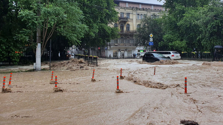 Власти Ялты заявили о колоссальном ущербе от подтоплений