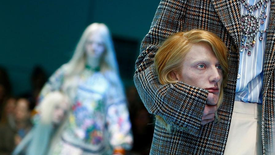 Самые яркие показы Недели моды в Милане - Газета.Ru 1d3a214beb9