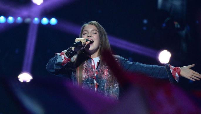 Представительница России Анна Филипчук во время выступления в финале международного детского конкурса песни «Евровидение-2018» в Минске, 25 ноября 2018 года