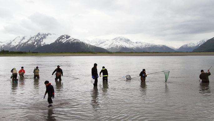 Удар по рыбакам: на Аляске теряют деньги из-за санкций России
