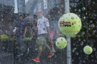 Непогода в Нью-Йорке сорвала в четверг женские одиночные полуфиналы
