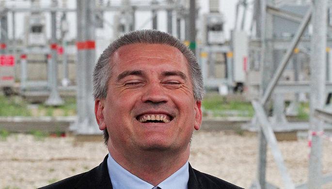 Глава Крыма Сергей Аксенов во время запуска четвертой нитки энергомоста в Крым