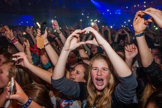 Фанаты на концерте поп-группы One Direction в Бельгии, 2013 год
