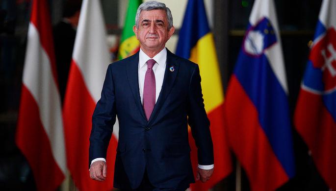 Президент Армении Серж Саргсян перед началом саммита восточного партнерства в Брюсселе, 24 ноября...