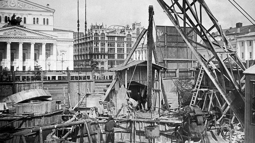 Строительство станции «Площадь Свердлова» (ныне «Театральная») московского метро, 1935 год