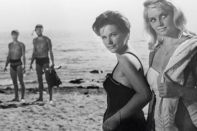 Наталья Фатеева и Наталья Кустинская на съемках фильма «Три плюс два» (1963)